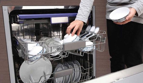 Giữ gìn vệ sinh khu vực bếp