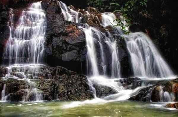Phong cảnh thiên nhiên hữu tình, thơ mộng