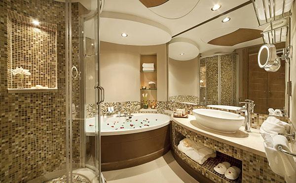 Nhà tắm khép kín trong phòng khách sạn