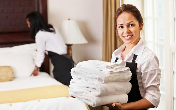 Lương nhân viên là một trong những căn cứ để tính giá phòng