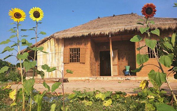 Một căn homestay mô phỏng nhà tranh truyền thống Việt Nam