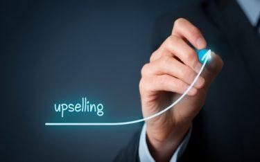 Upselling là gì? Những nguyên tắc Upselling trong kinh doanh khách sạn