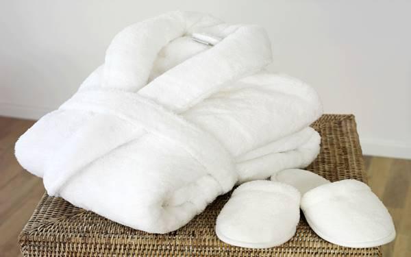 Phân biệt áo choàng tắm chất lượng cao cấp với hàng rẻ tiền