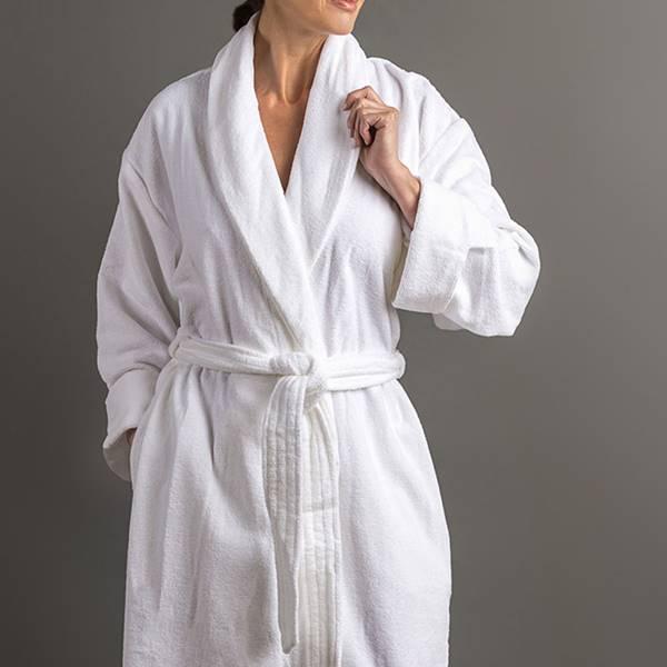 """Áo choàng tắm """"xịn"""" sẽ có độ thấm hút vượt trội hơn hẳn"""