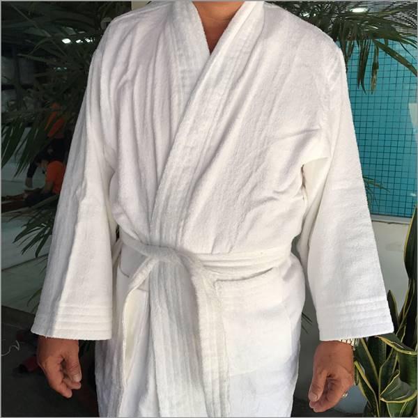 các tiêu chí chọn áo choàng tắm cho nam