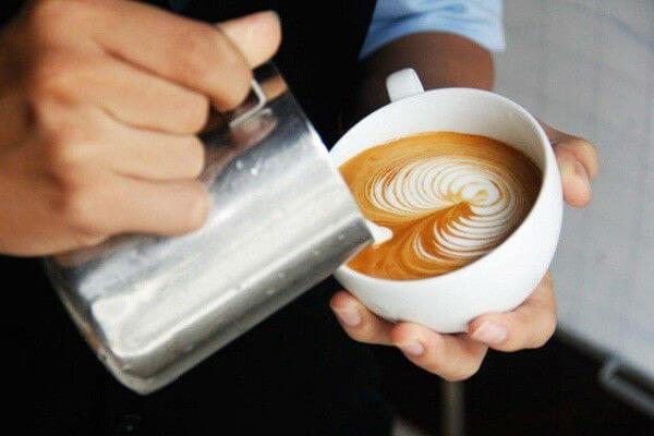 Barista là người thổi hồn vào những tách cà phê