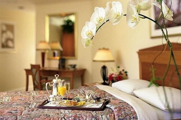 Khách lưu trú tại đây sẽ được thưởng thức bữa sáng theo yêu cầu