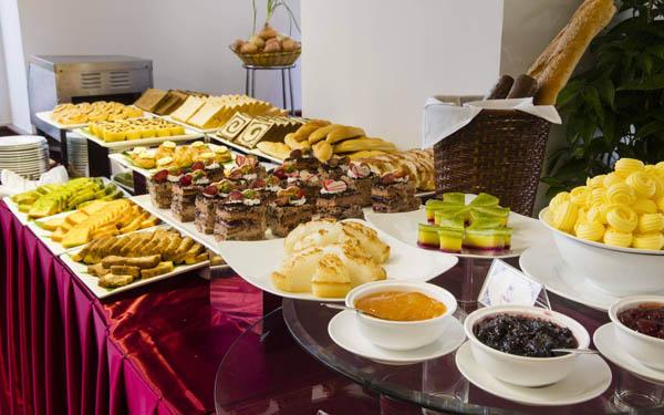 Các bữa buffet sáng miễn phí luôn đảm bảo chất lượng
