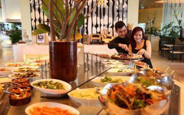 Xem ngay 4 lý do nên phục vụ buffet sáng miễn phí khách sạn