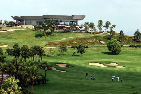 Sân golf rộng rãi phù hợp cho giới khách thượng lưu