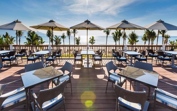 Nhà hàng resort ngoài trời tận hưởng không khí biển tuyệt đẹp