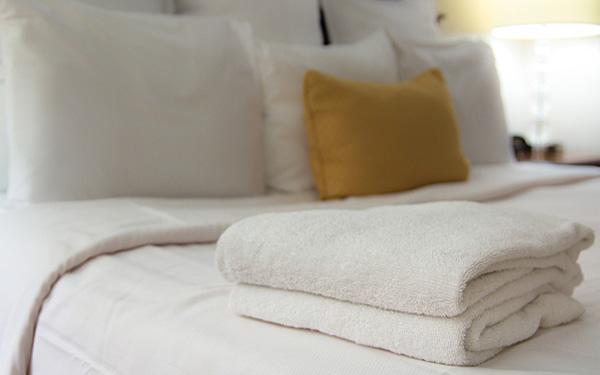Cách gấp khăn spa