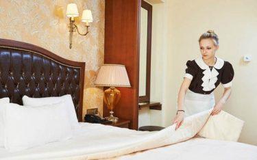 Học cách trải ga giường phủ khách sạn đẹp xuất sắc đúng chuẩn 5 sao