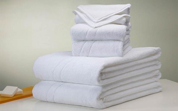 Khăn tắm làm từ chất liệu 100% cotton thường được các khách sạn ưa chuộng nhiều nhất
