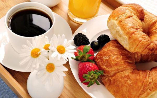 Continental breakfast là gì và những điều lí thú cần biết