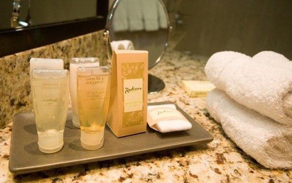 Kinh nghiệm hữu ích khi mua dầu gội sữa tắm giá rẻ cho nhà nghỉ