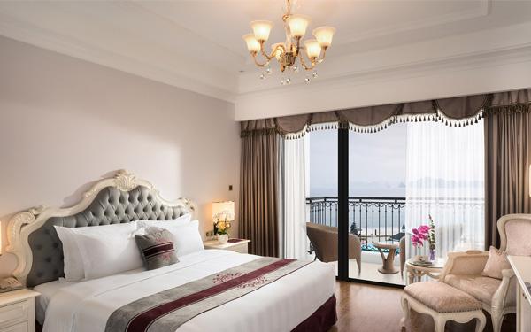 Phòng Suite sở hữu trang bị hiện đại và view đẹp
