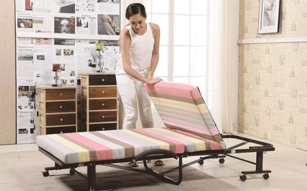 Extra bed được kê thêm vào phòng khi khách hàng yêu cầu