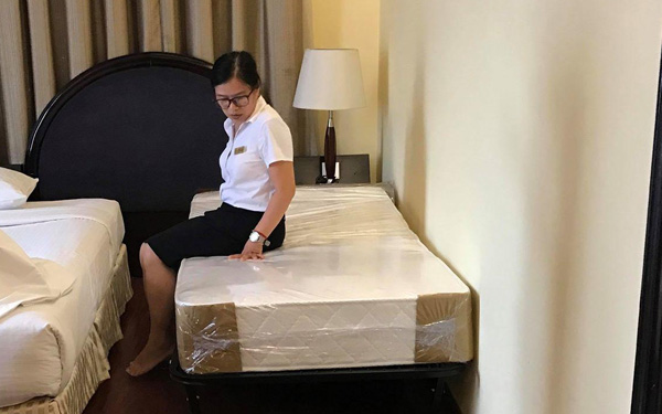 Extra bed là chiếc giường được kê thêm vào phòng khách sạn