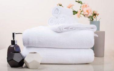 4 nguyên tắc giặt khăn tắm khách sạn nhân viên giặt là nào cũng thuộc