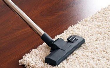 Bật mí bí kíp giúp nhân viên buồng phòng giặt thảm chùi chân sạch bong