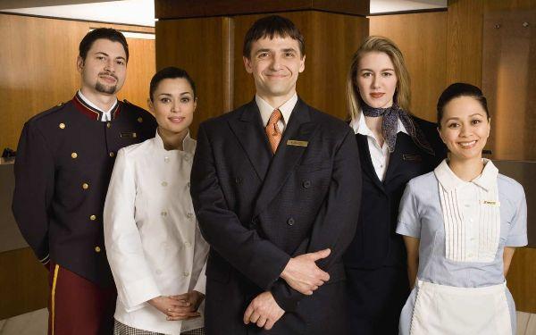Guest service là gì? Guest service khách sạn hiệu quả như thế nào?