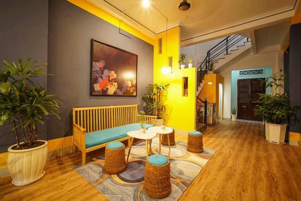 Nha Trang Homestay Vy House lung linh sắc vàng