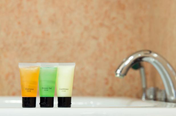 Lựa chọn dầu gội và sữa tắm khách sạn