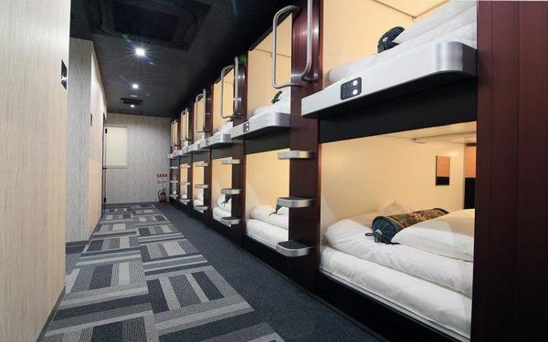 Phòng ngủ khách sạn con nhông trang trọng, tiện nghi