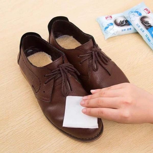 Vai trò to lớn của khăn lau giày khách sạn