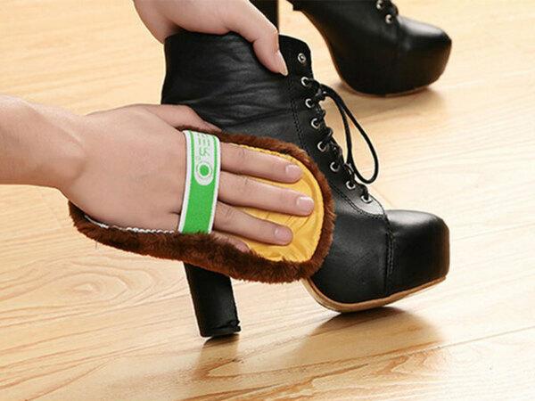 Khăn lau giày là vật dụng không thể thiếu trong bộ dụng cụ đánh giày