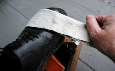 Tầm quan trọng của khăn lau giày trong khách sạn