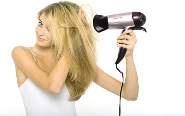 lưu ý khi sử dụng máy sấy tóc