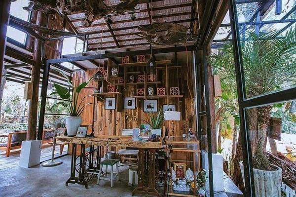 Khu vực ăn uống được làm theo mẫu thiết kế homestay
