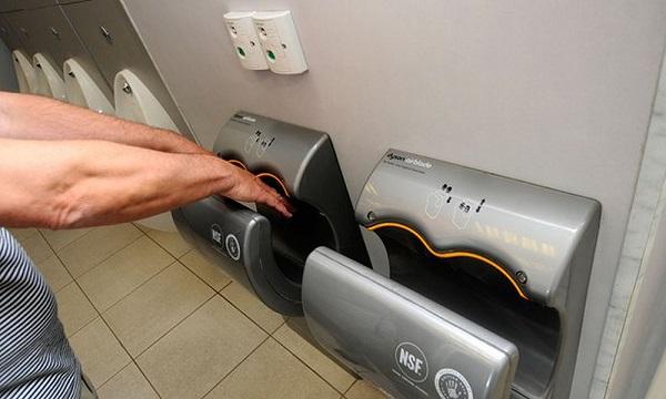 Với việc khách sạn, nhà vệ sinh đều được trang bị máy sấy tay sẽ góp phần tạo được nguồn doanh thu