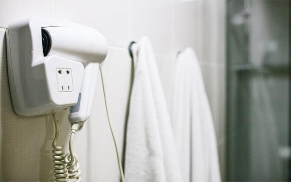 Điểm danh 4 loại máy sấy tóc dùng cho khách sạn phổ biến hiện nay