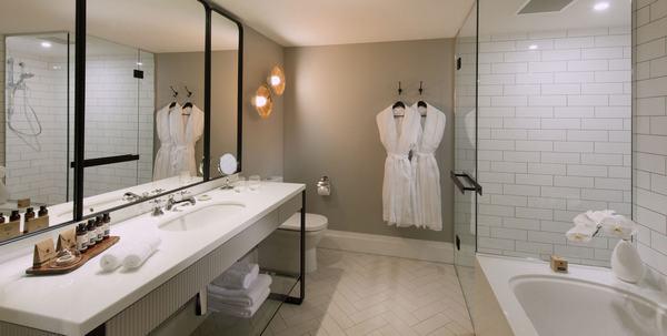 Các loại vật dụng tiện nghi trong nhà tắm khách sạn