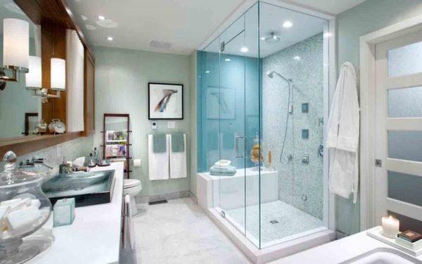 Nội thất phòng tắm được trang bị tiện nghi, đẹp mắt