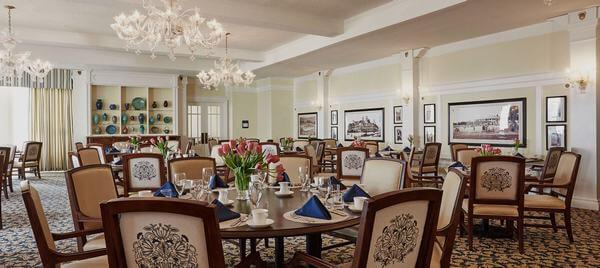 Phòng ăn trong khách sạn hiện đại