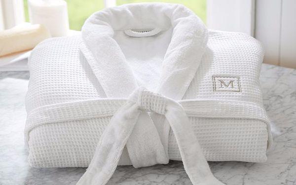 Mẫu áo choàng tắm khôn thể thiếu trong phòng tắm khách sạn 5 sao