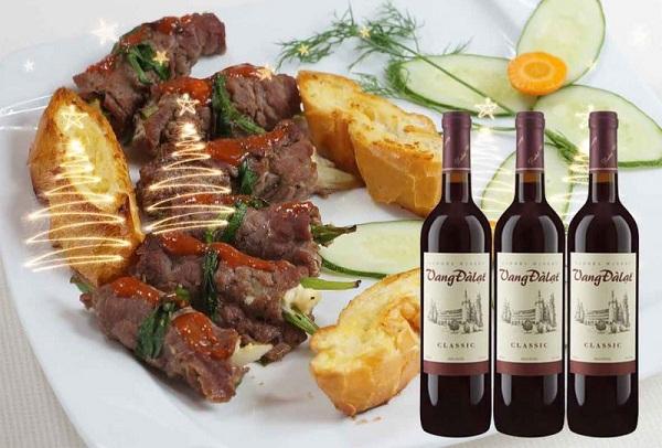 Rượu vang đỏ nên sử dụng với thịt bò để cảm nhận được hết tinh túy