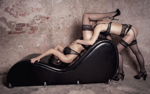 Chuyện ấy trở nên hấp dẫn hơn nhờ có công cụ ghế tình nhân