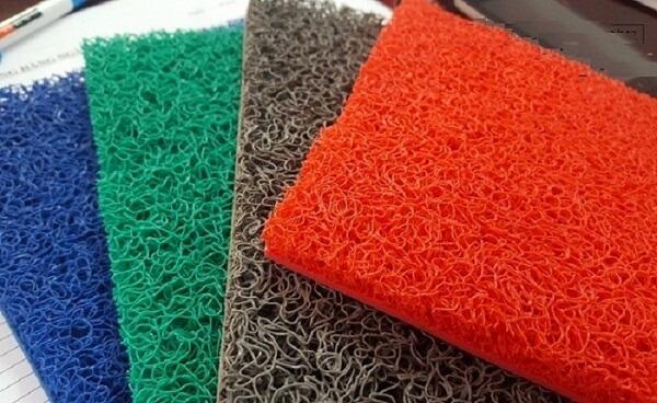 Chất liệu của loại sản phẩm này là nhựa PVC cao cấp