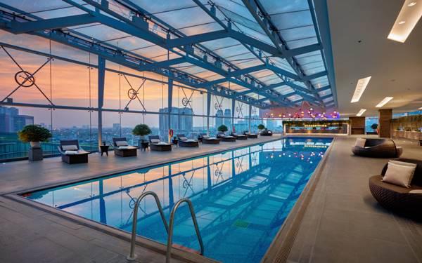 Thiết kế bể bơi khách sạn 5 sao vừa chất vừa đẹp hút hồn