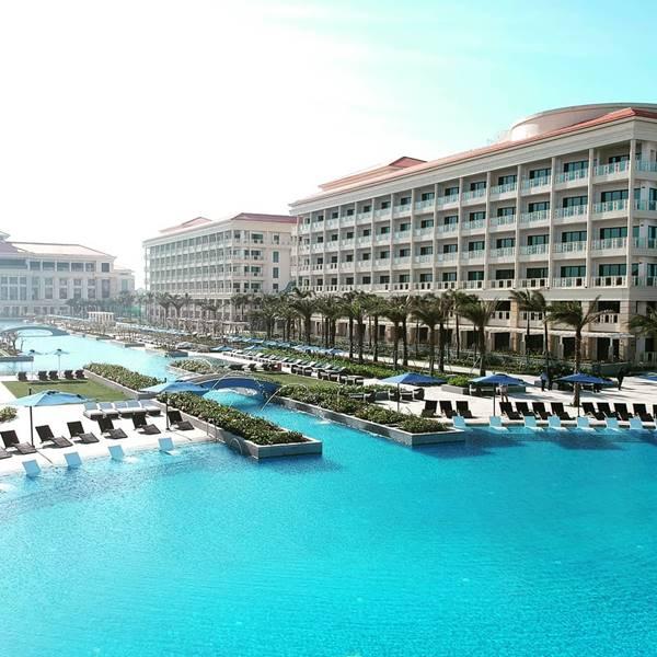 Cách thiết kế bể bơi khách sạn năm sao vừa chất vừa đẹp hút hồn