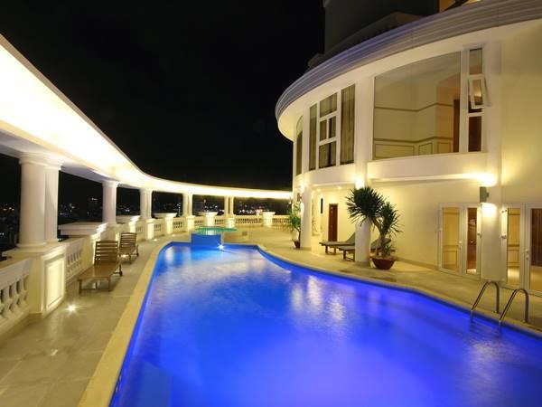 Thiết kế hồ bơi khách sạn 5 sao chất lừ