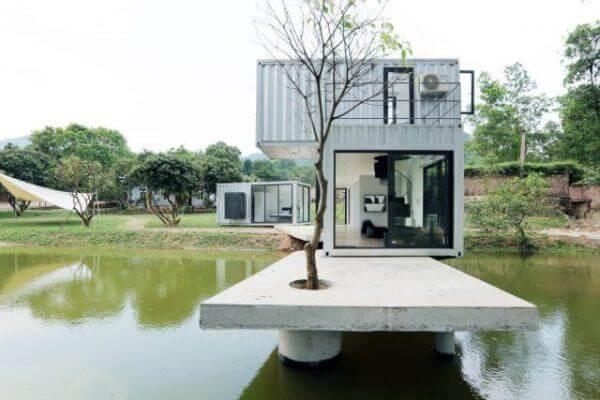 Vị trí được thiết kế trên hồ nước