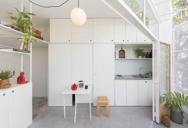 Nội thấy homestay sắp xếp gọn gàng, tích hợp nhiều tính năng để tối giản diện tích nhất