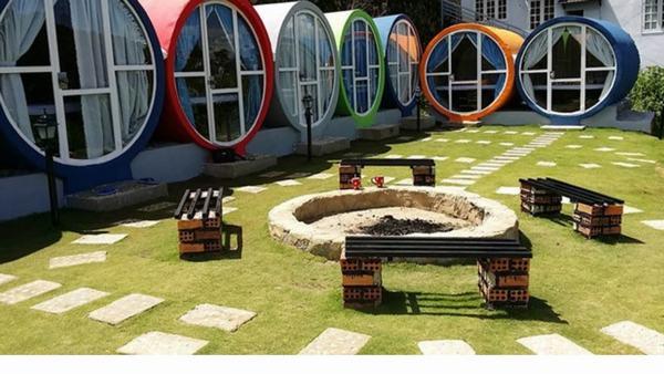 Các địa điểm tổ chức tiệc cạnh homestay nhà ống