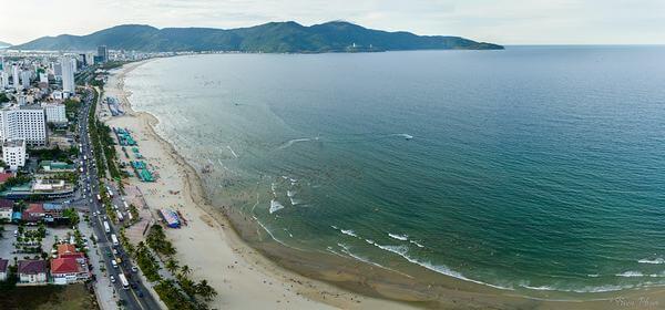 Các homestay được xây dựng sát ven biển